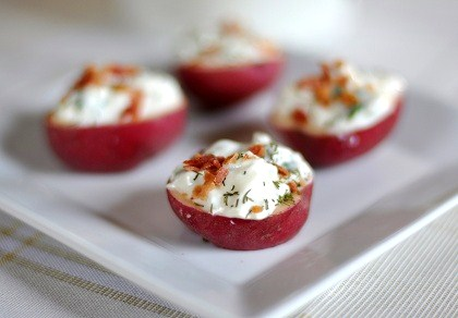 Post image for Appetizer Recipe: Baby Red Potatoes with Sour Cream & Bacon