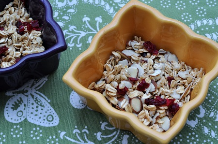 Post image for Power Foods by Whole Living and Martha Stewart: Homemade Granola for a Healthy Diet