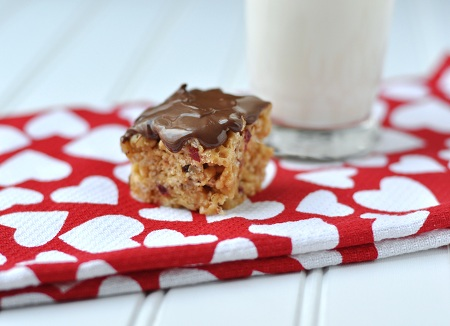 Post image for World Nutella & Valentine's Day Recipe: Nutella Peanut Butter, Honey & Dried Cranberry Crispy Treats