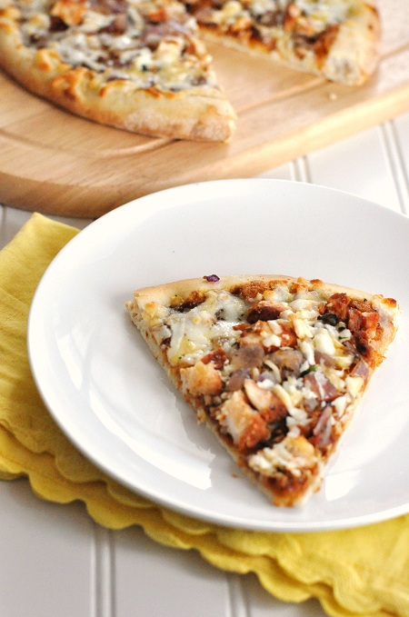Post image for Quick & Easy Semi-Homemade BBQ Chicken Pizza
