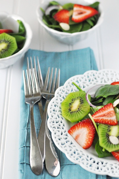 Post image for The Best Kiwi Strawberry Spinach Salad & A Happy Mother's Day Morning
