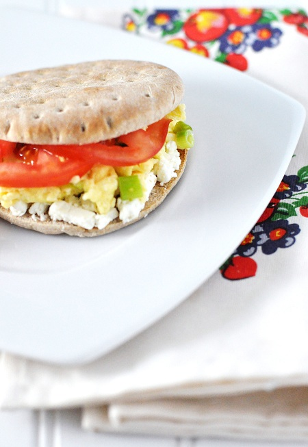 Post image for Egg, Scallion, Feta & Tomato Breakfast Sandwich Recipe