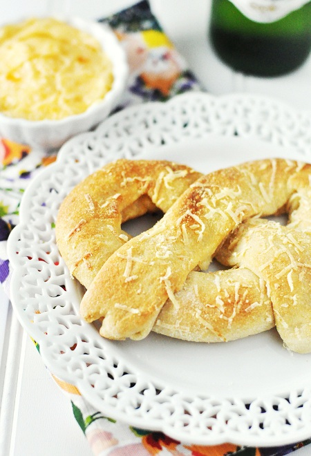 Post image for Jalapeno and Cheese Stuffed Baked Soft Pretzels with Apricot Butter
