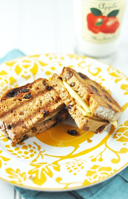 Post image for Nutella & Apple Panini on Cinnamon Raisin Bread Sandwich