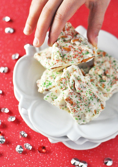 Post image for Simple Homemade Christmas Gifts: White Chocolate Bark with Pretzels
