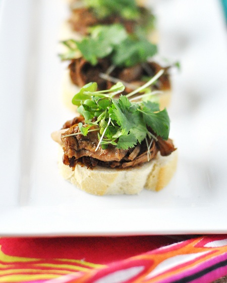 Post image for Superbowl Party Food: Slow Cooker Balsamic Honey Coffee BBQ Pulled Pork Recipe