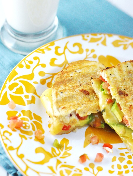 Post image for Comfort Food Craving: Grilled Cheese Sandwich with Gouda, Pico de Gallo & Avocado Recipe