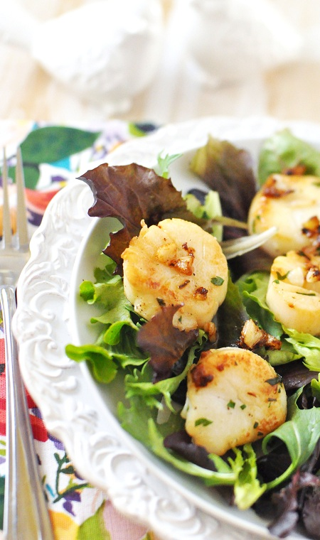 Post image for Sauteed Sea Scallops with Garlic & Parsley served with Shades of Grey
