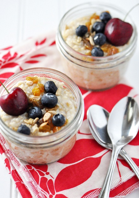 Post image for Easy Overnight Crock Pot Steel Cuts Oatmeal with Raisins, Sunflower Seeds, Berries & Cherries