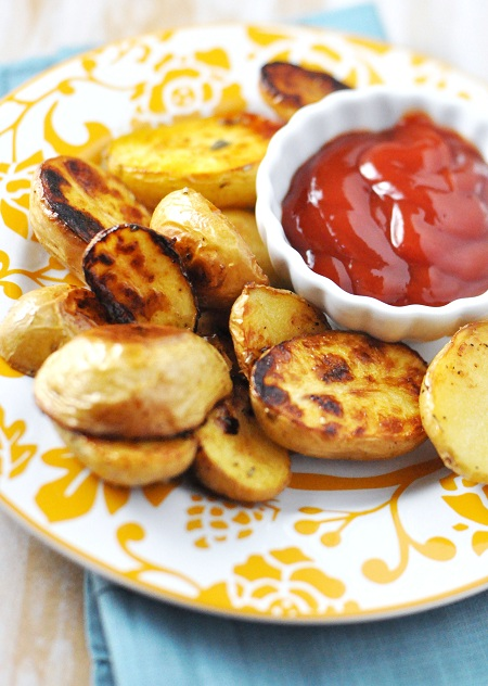 Post image for Roasted Salt 'n' Vinegar Baby Potatoes with Rosemary & Thyme