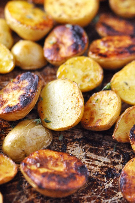 Roasted Salt 'n' Vinegar Baby Potatoes with Rosemary & Thyme ...