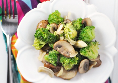 Sautéed Broccoli and Mushrooms with Garlic