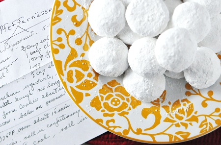 Post image for Homemade German Christmas Cookie Recipe: The Magic of the Pfeffernüsse