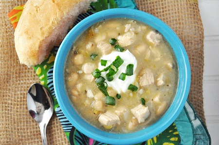 Slow Cooker White Turkey Chili Recipe by @savorthethyme