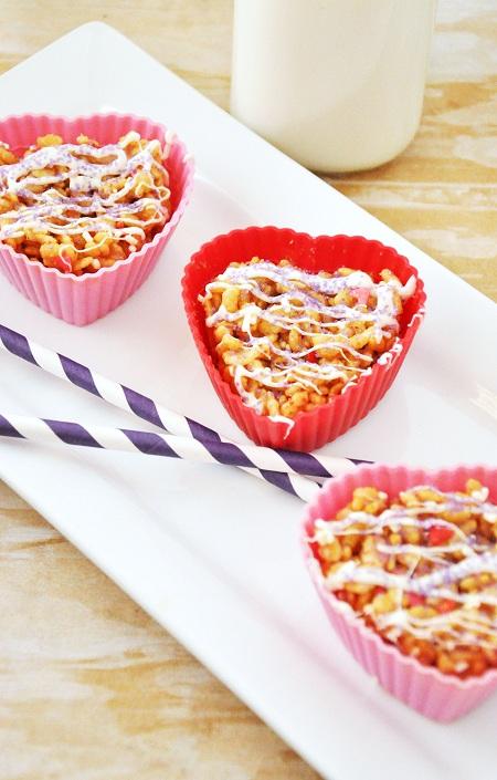 Valentines_Day_Crispy_Rice_Peanut_Butter_Treats_White_Chocolate_Drizzle_Recipe_1