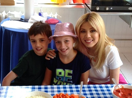 Meet & Greet with Jeannette McCurdy at the BirdsEye Play with Veggies Event