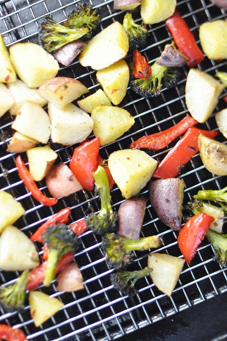Post image for Spicy Roasted Vegetables {Potato, Red Pepper, and Broccoli} Recipe