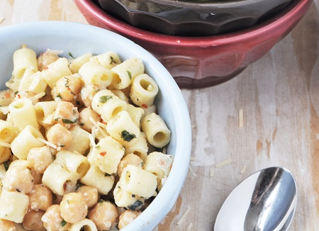 Zesty Pasta e Ceci Recipe (Pasta with Chickpeas)